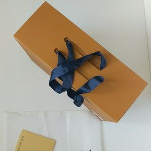 Louis Vuitton Other - LOUIS VUITTON Box & Dust Bag